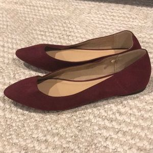 Old navy maroon flats with pointed toe size 9